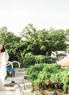 "This Korean Couple Said ""I Do"" In An Amusement Park, Yongma Land in Seoul"