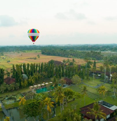 A Hot Air Balloon Photoshoot Giveaway by The Chedi Club Ubud Tanah Gajah & Sál Photo